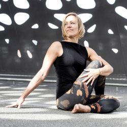 Hatha yoga HEIDI