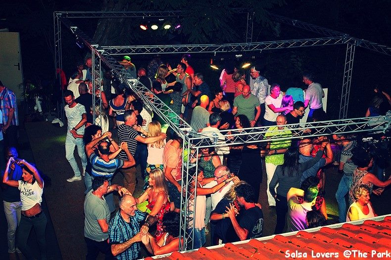 Gratis salsa openlucht event @The Park Boekenbergpark