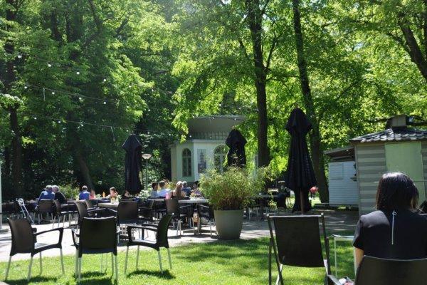 zonnige terras @The Park Boekenbergpark